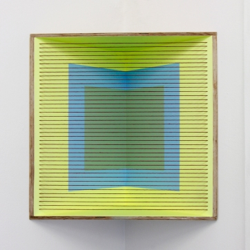 (Un)steady Object IV / (Ó)stöðugur hlutur IV, 2014, Acrylic paint, wood and wool, 45,5 x 46 cm