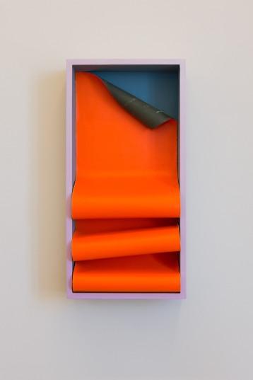 Painted Angles (fold) / Máluð sjónarhorn (hleðsla), 2017, Acryllic on wood and pvc, 40 x 20 x 6 cm